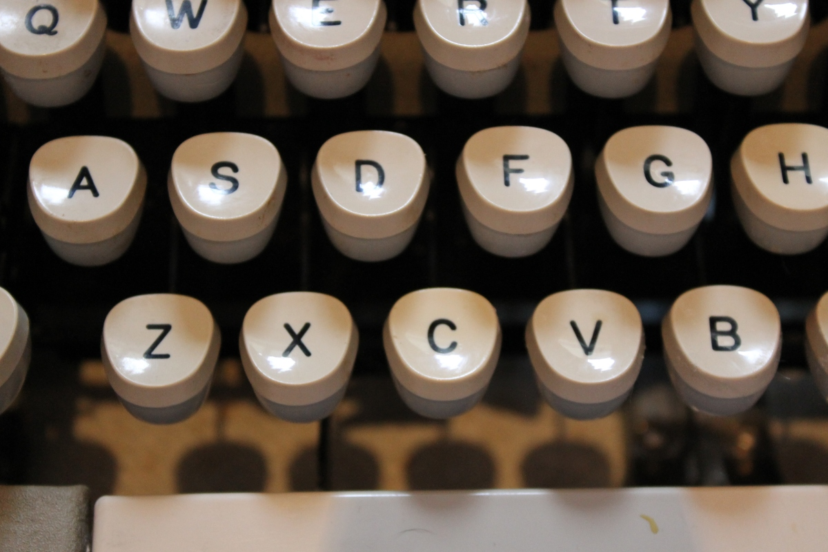 THE TYPEWRITER POETRY PROJECT